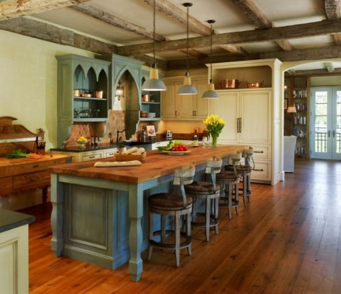 уютная кухня в стиле английского паба