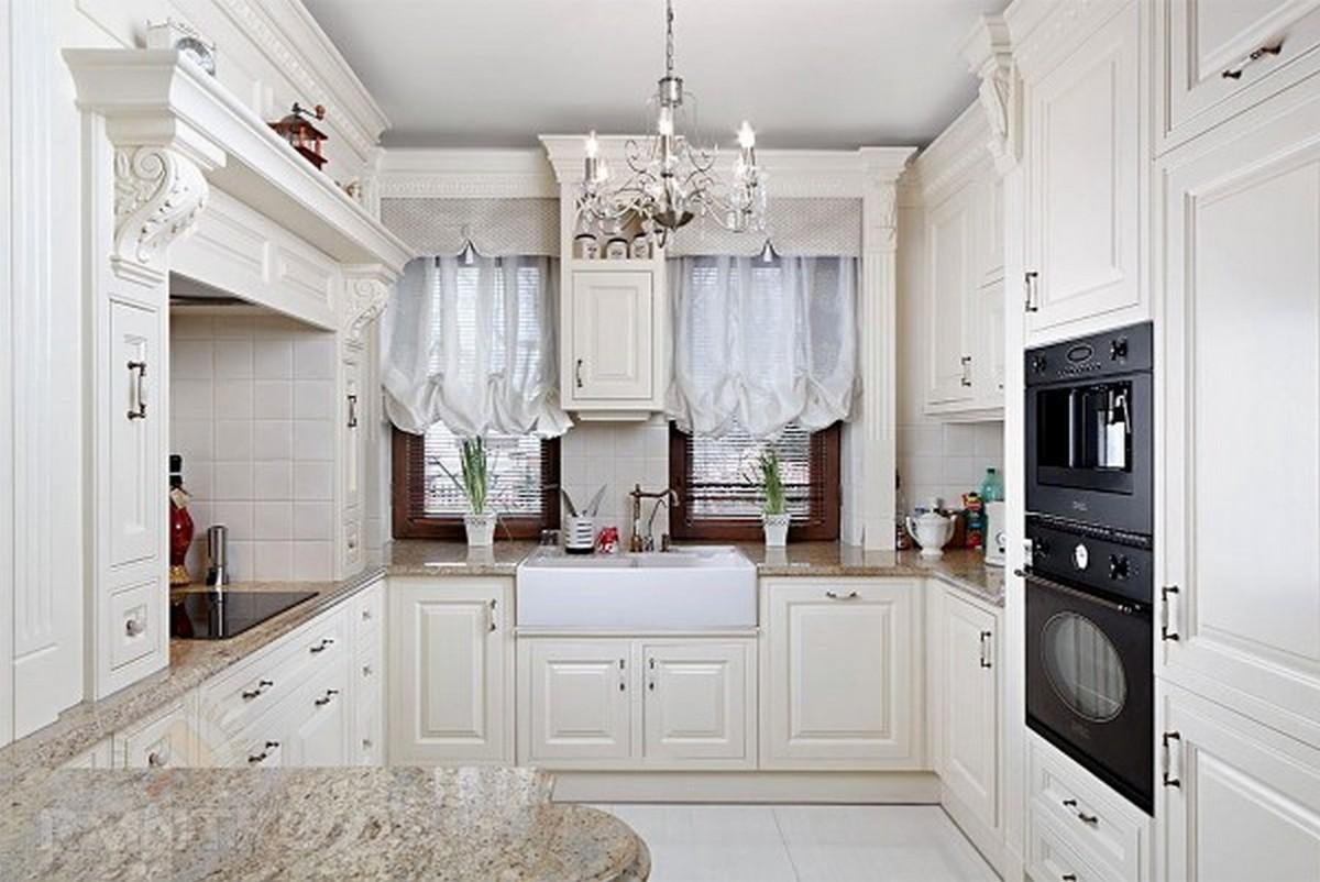 выраженная белая кухня в английском стиле