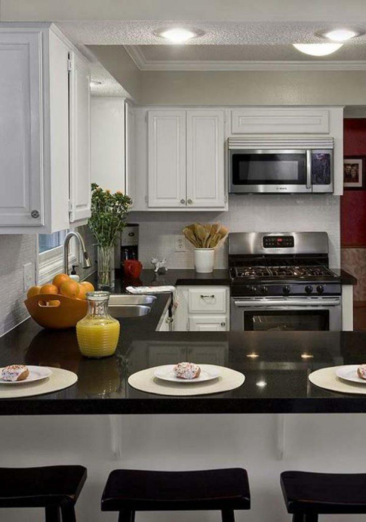 чёрно-белый дизайн малогабаритной кухни
