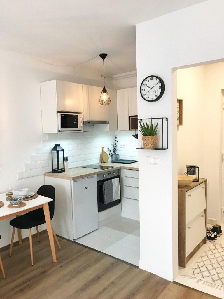 дизайн малогабаритной кухни белый цвет