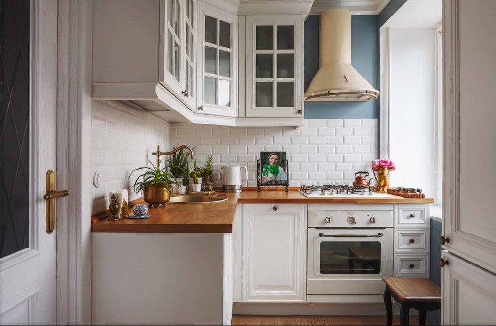 дизайн малогабаритной кухни фартук в стиле кабанчик