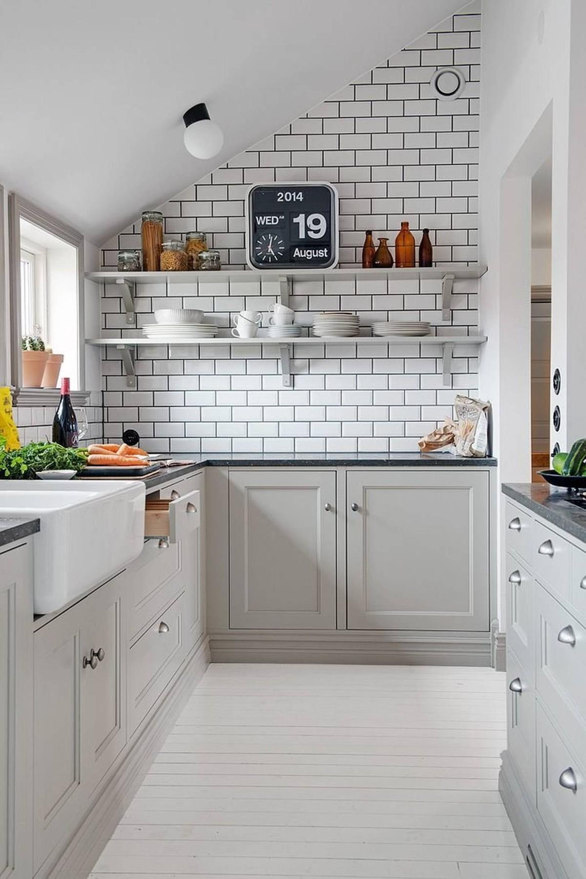 дизайн малогабаритной кухни в мансарде