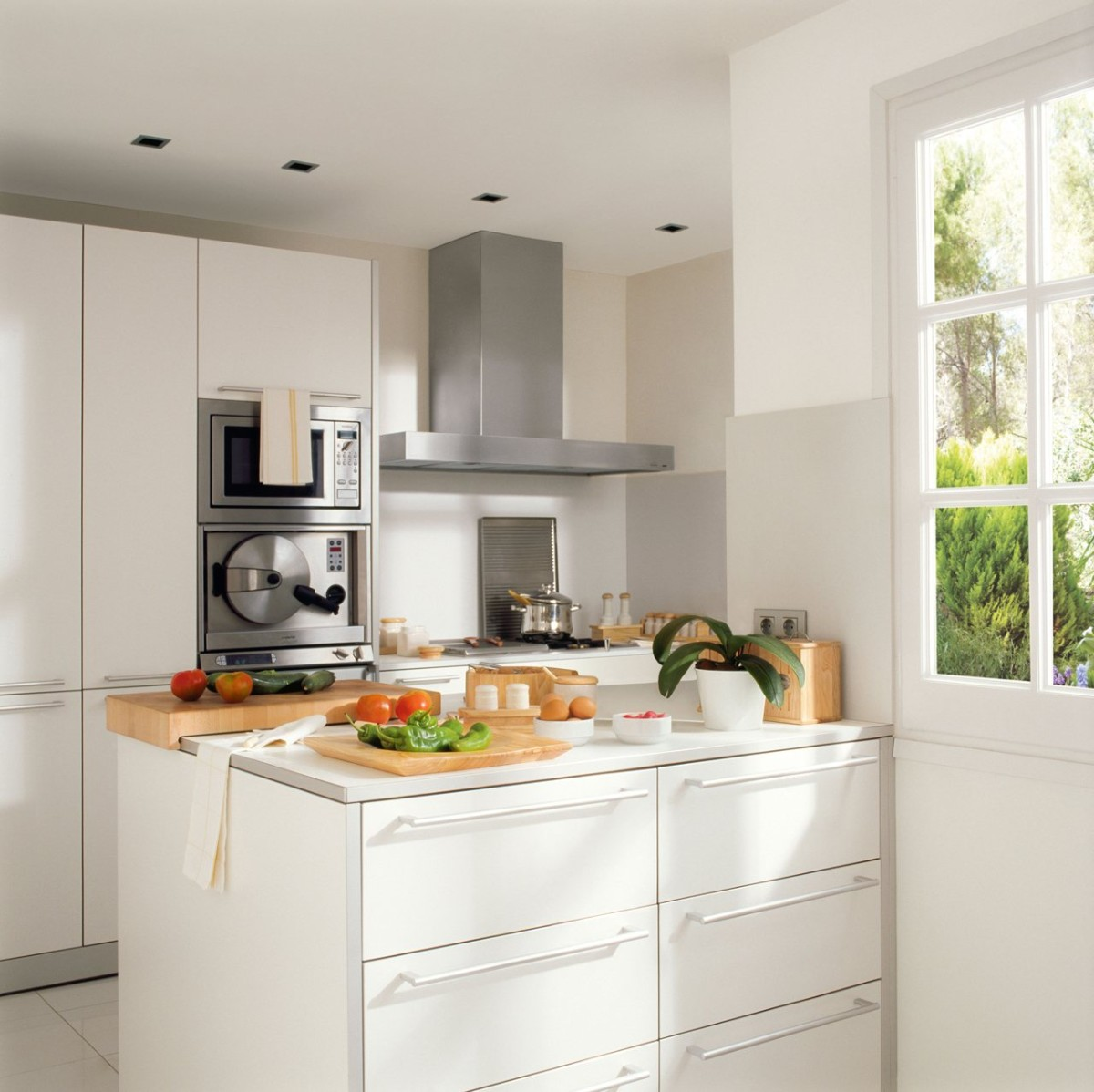 дизайн малогабаритной кухни в минималистическом стиле