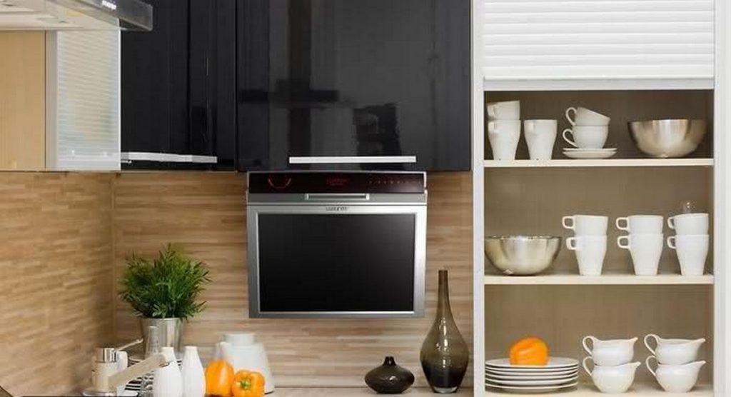 кухня с телевизором дизайн фото