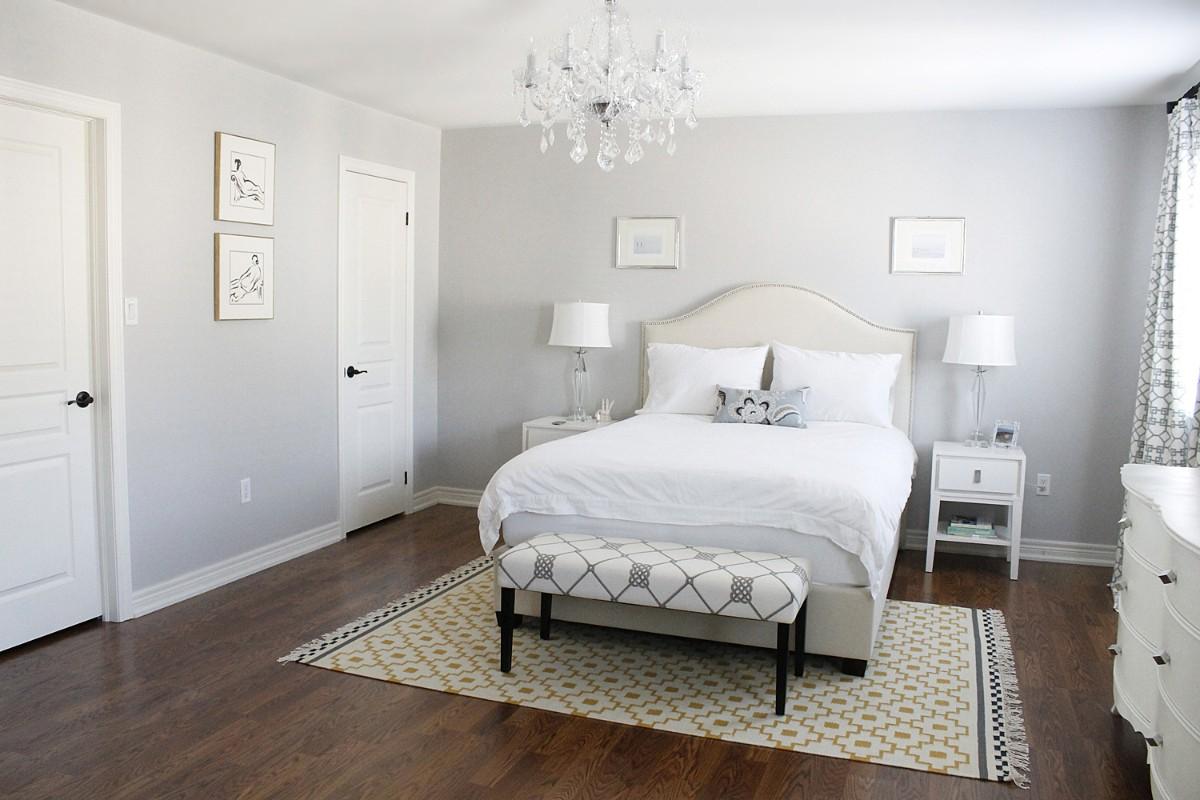 лаконичный интерьер спальня в белом цвете
