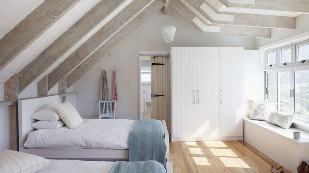 спальня в стиле кантри потолок