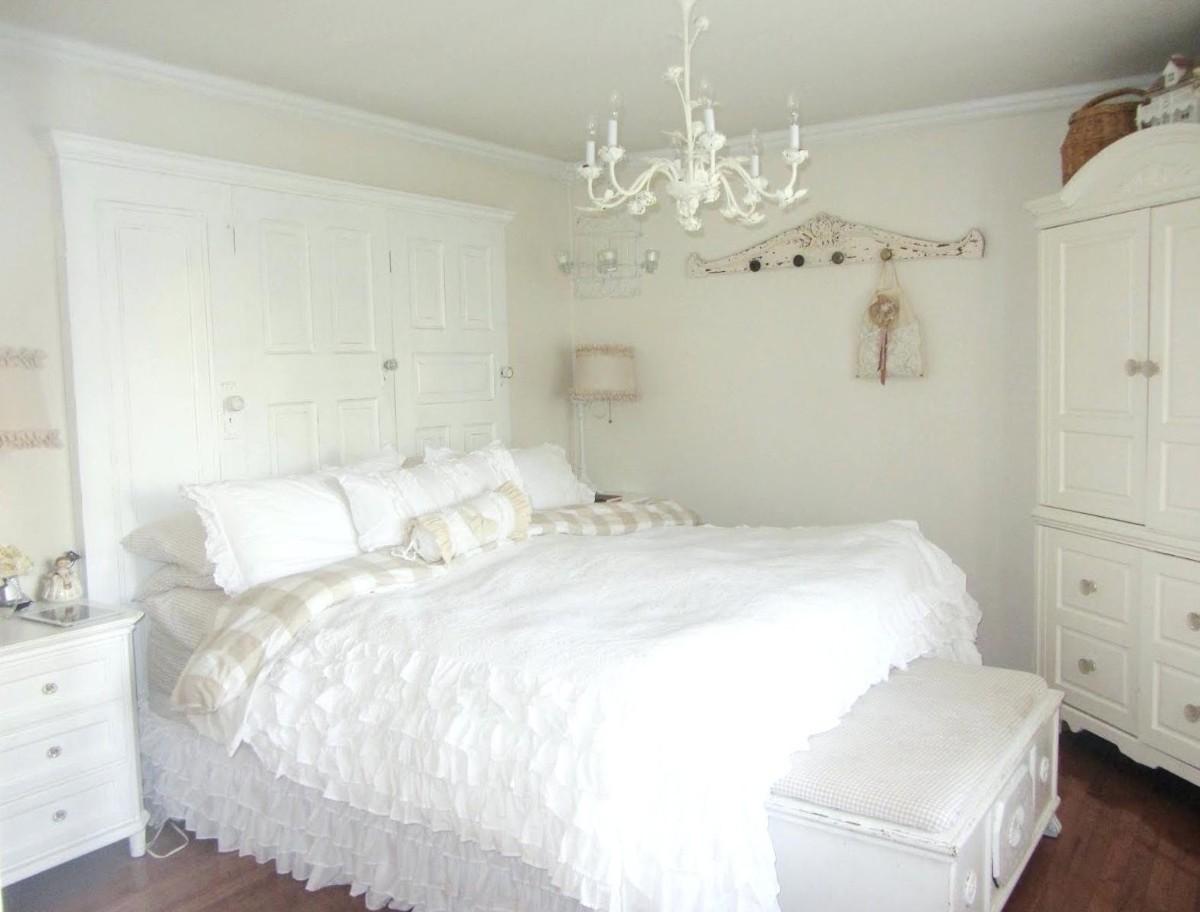 спальня в белом цвете интерьер прованс