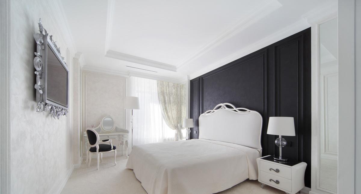 спальня в белом цвете классика