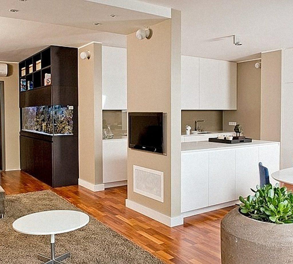 телевизор на кухне на фото