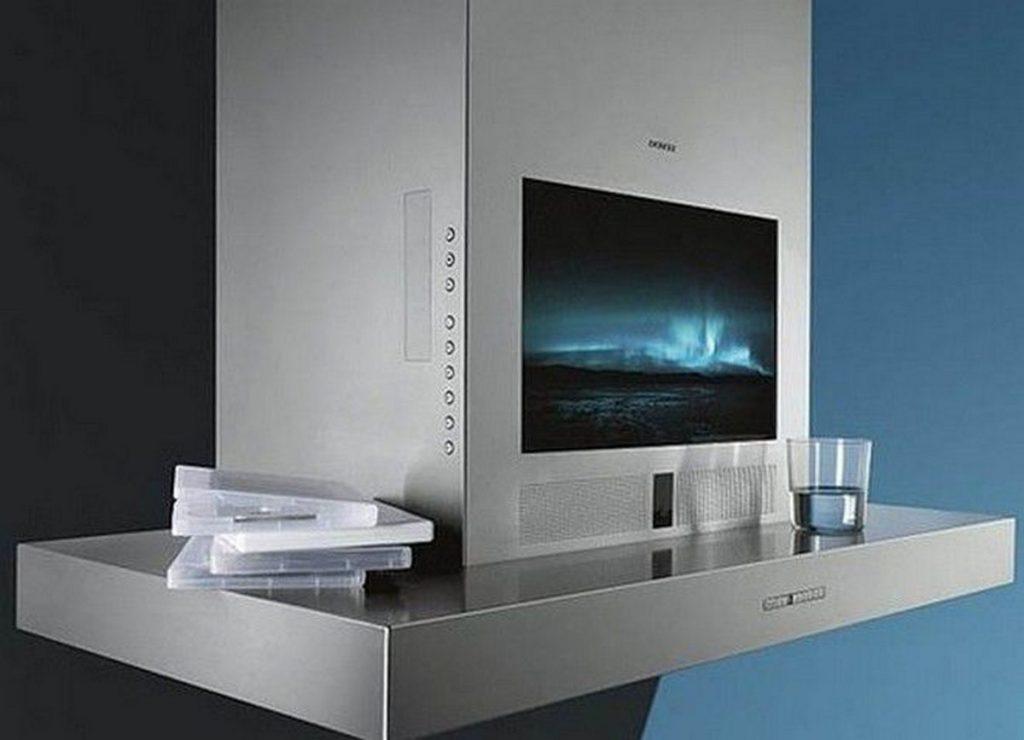 телевизор на вытяжке на кухне