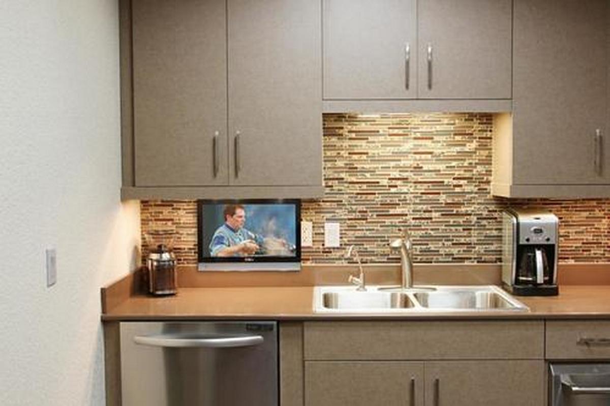 встраиваемый телевизор на кухню