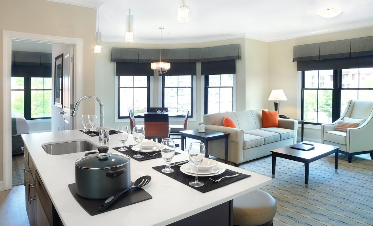 дизайн кухни гостиной с островом частный дом