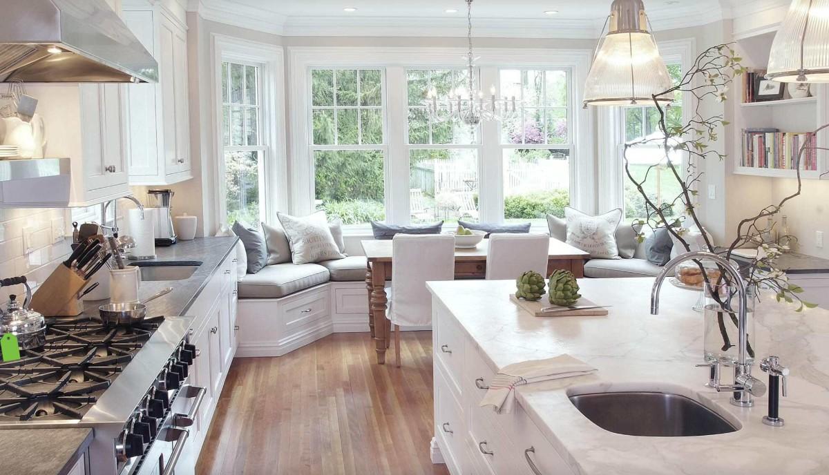 дизайн кухни гостиной в частном доме с эркером