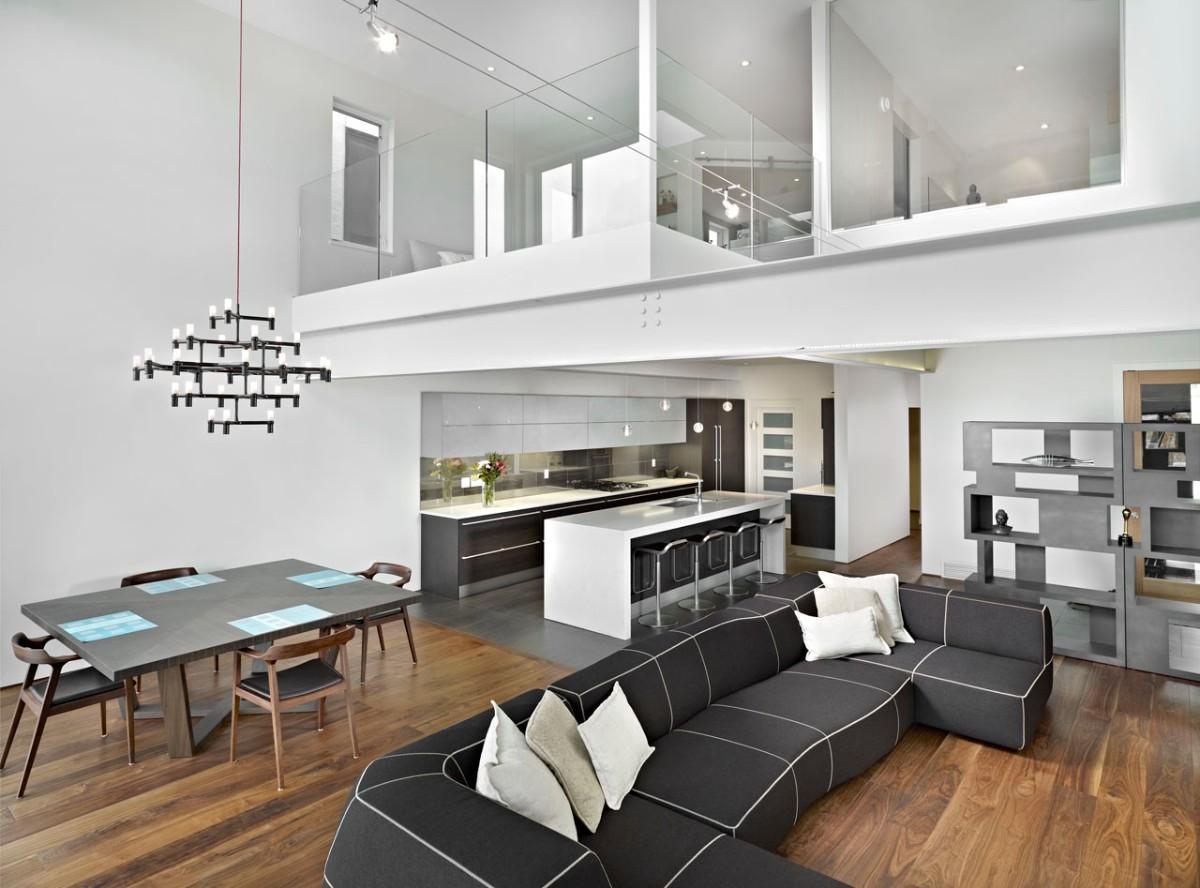 дизайн кухни гостиной в частном доме с полуэтажом
