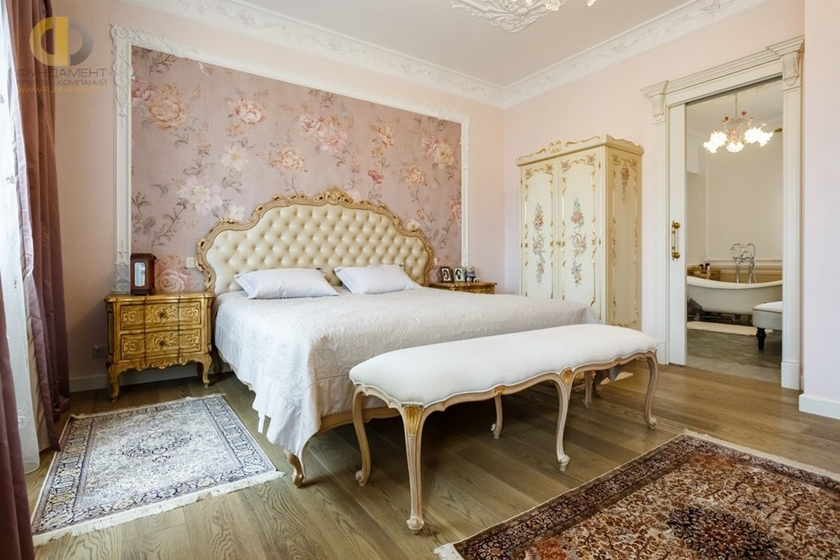 дизайн спальни в классическом стиле с элементами барокко