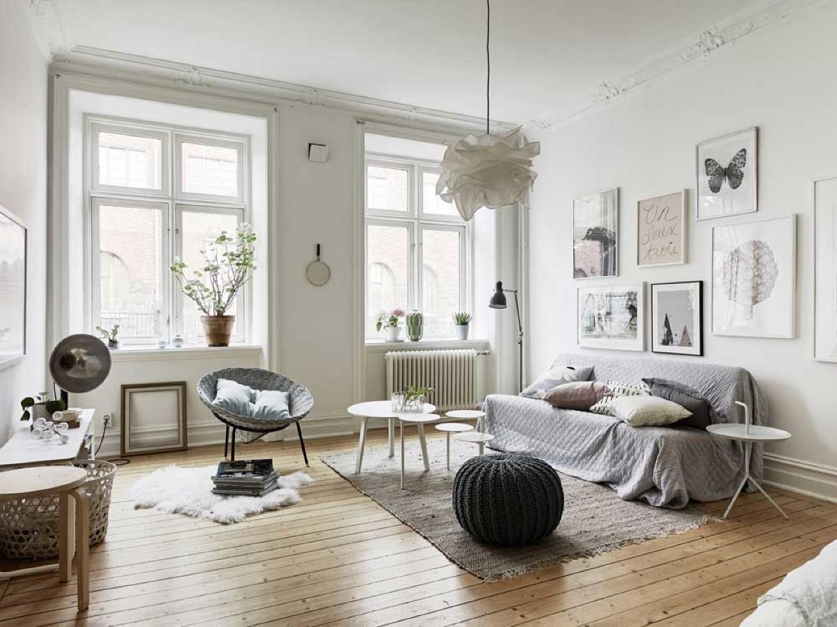 дом в скандинавском стиле интерьер гостиной окна без портьер