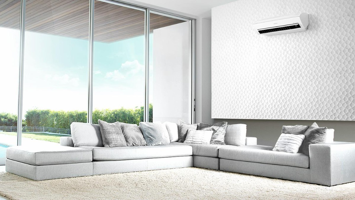 какой выбрать кондиционер в квартиру светлый дизайн гостиной