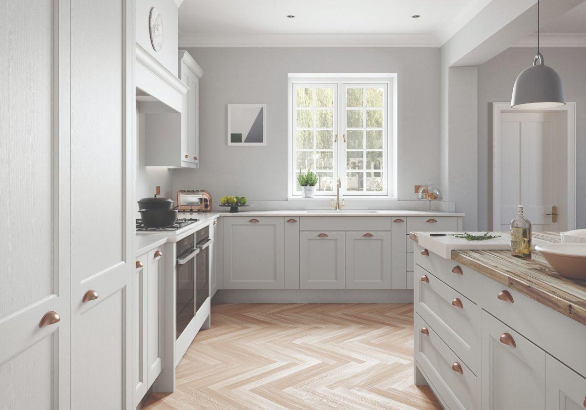белая кухня в стиле неоклассики фото