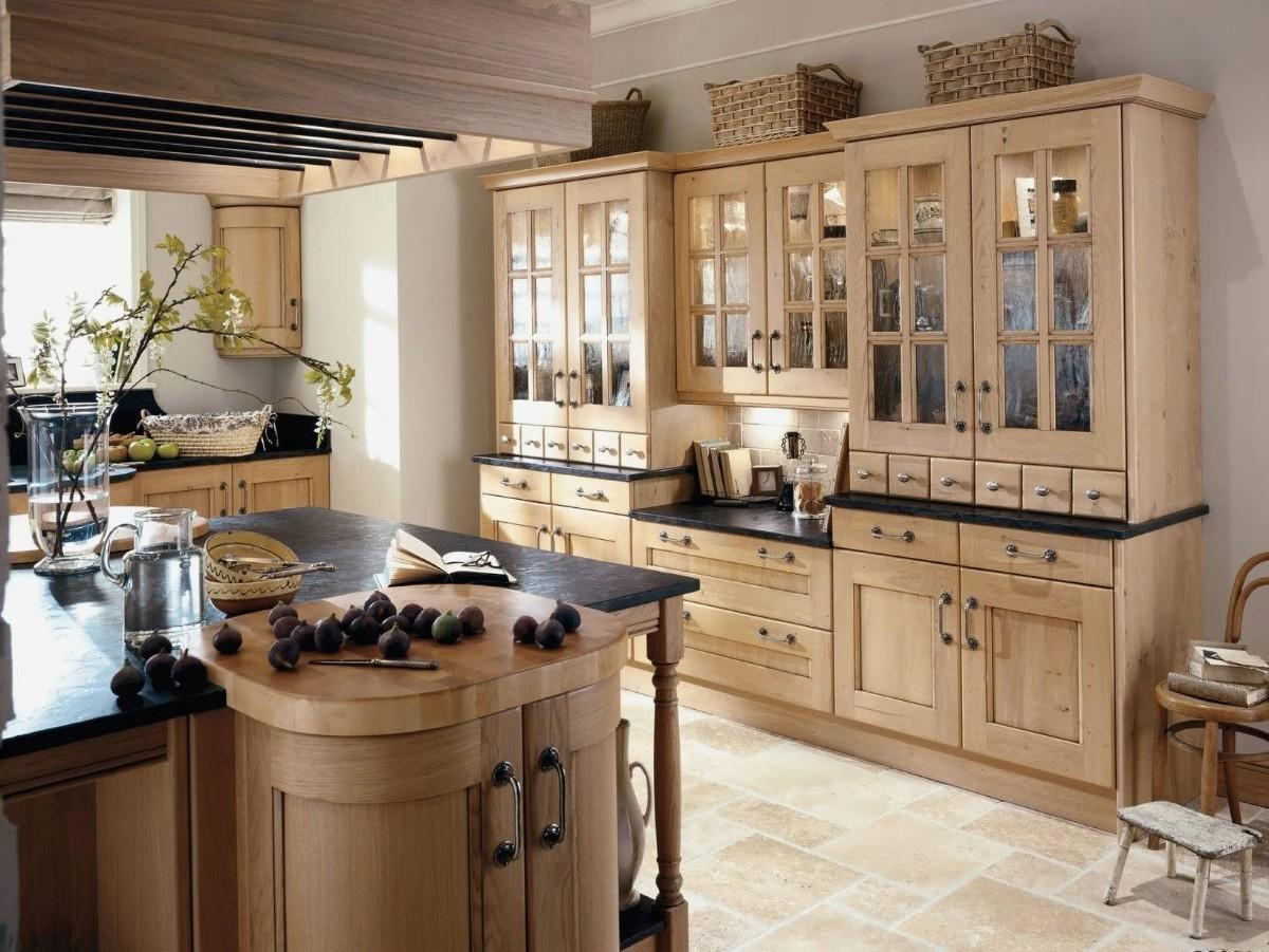чёрная столешница для кухни из светлого дерева
