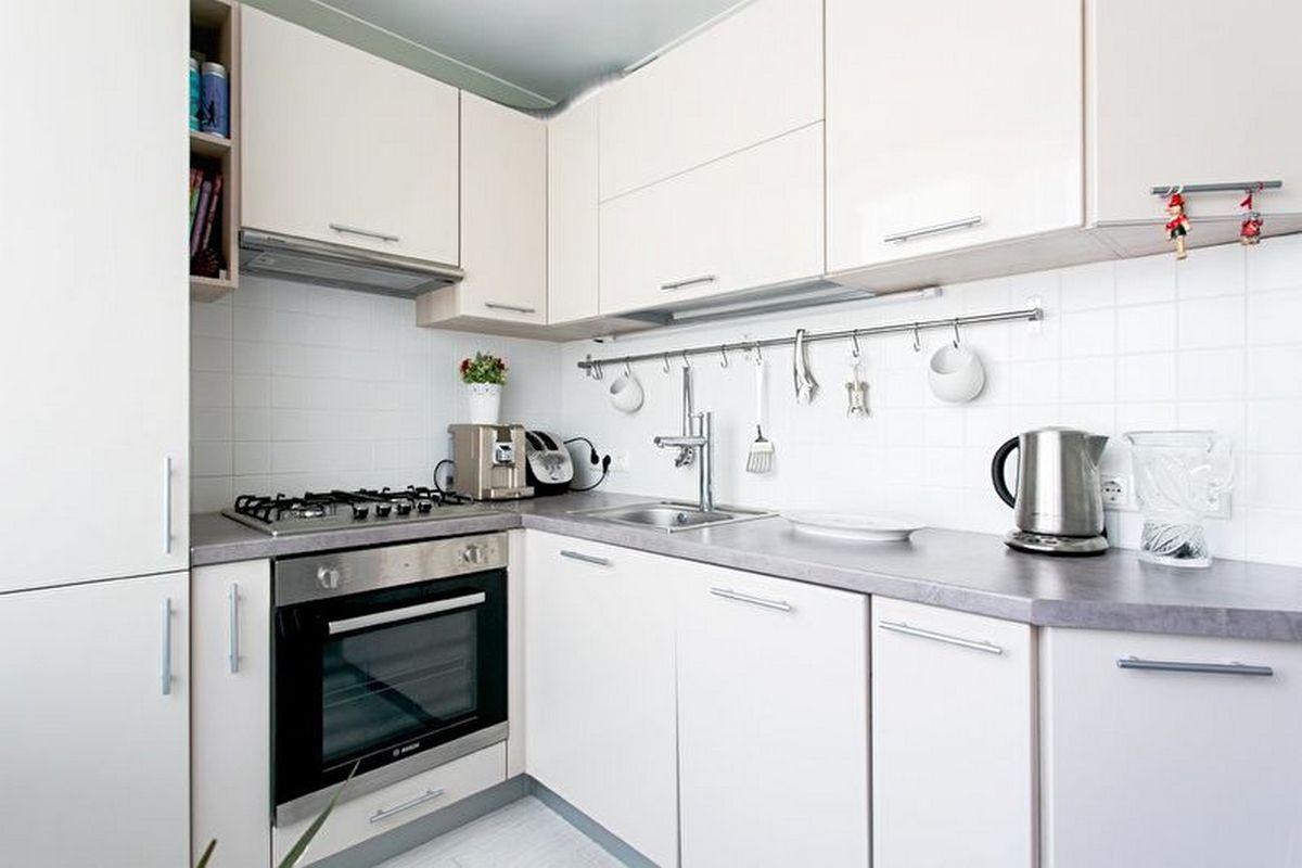 дизайн кухни 6 кв м с холодильником