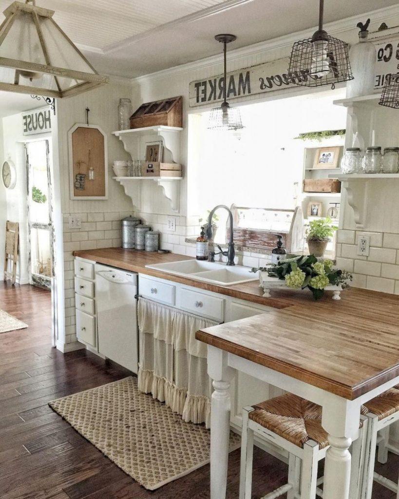 столешница из дерева для кухни в стиле кантри
