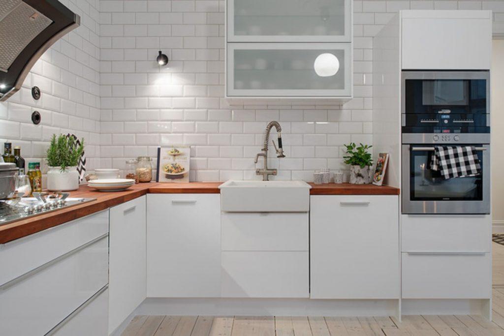 столешница цвета светлый орех для кухни белого цвета