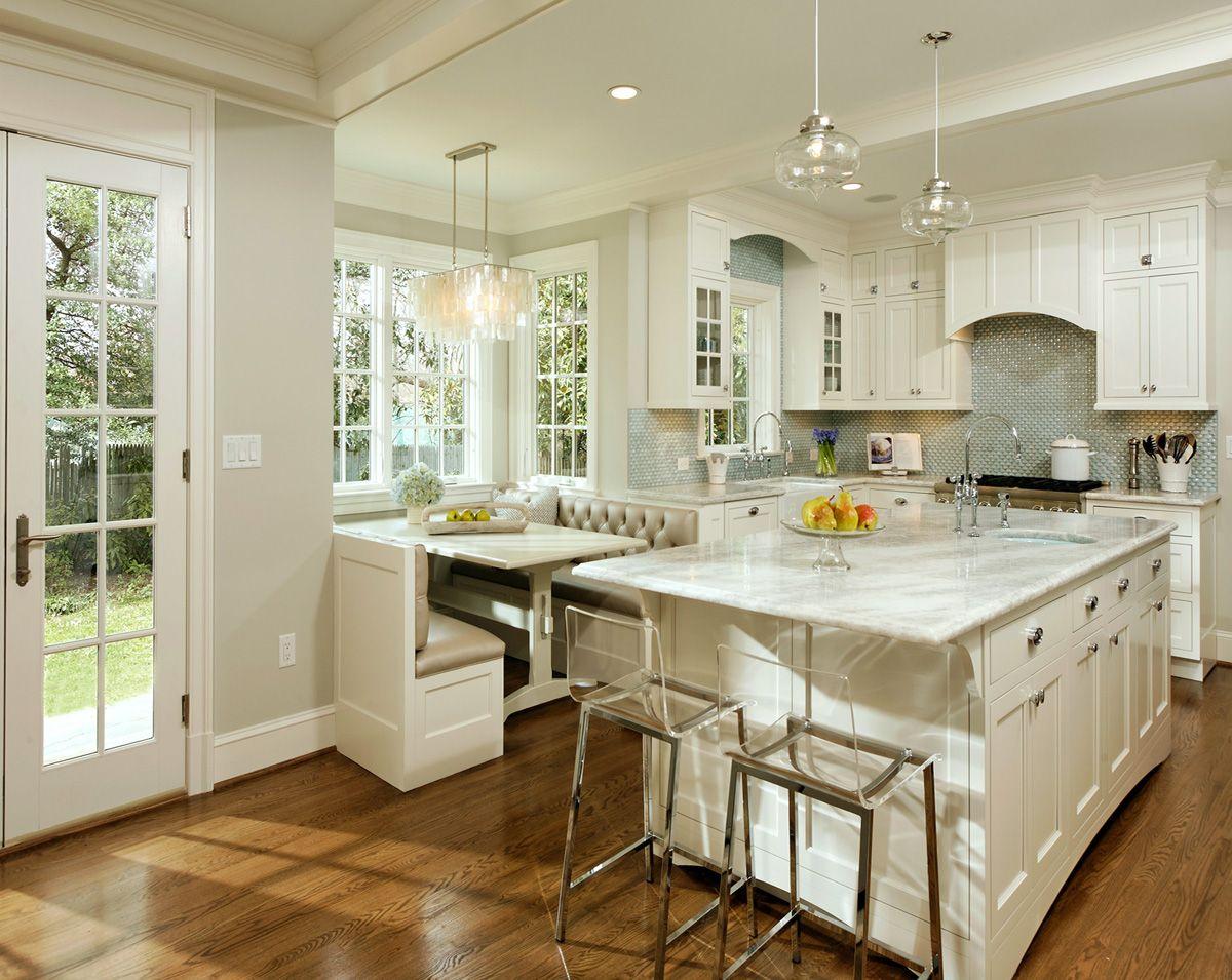светлая кухня в стиле неоклассики фото пример дизайна