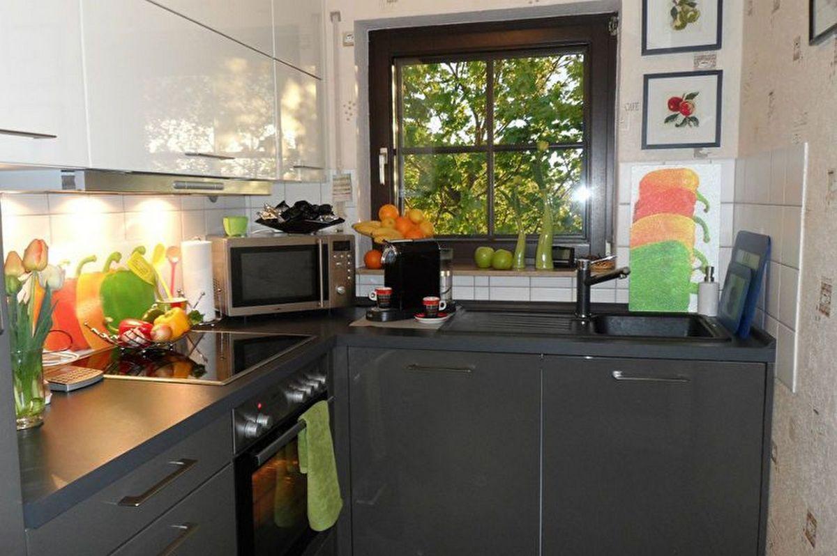 угловая кухня 6 кв м дизайн тёмный фасад