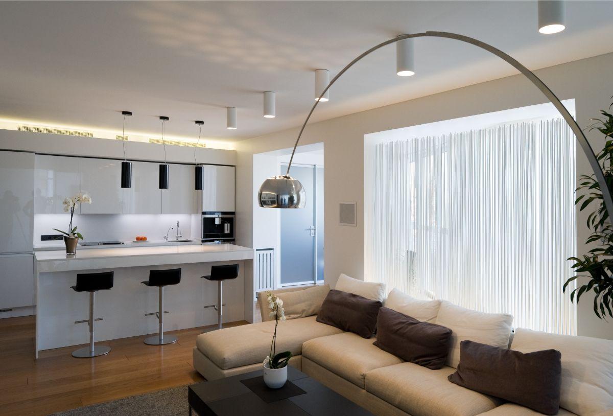 интерьер маленькой квартиры студии серо-бежевый дизайн