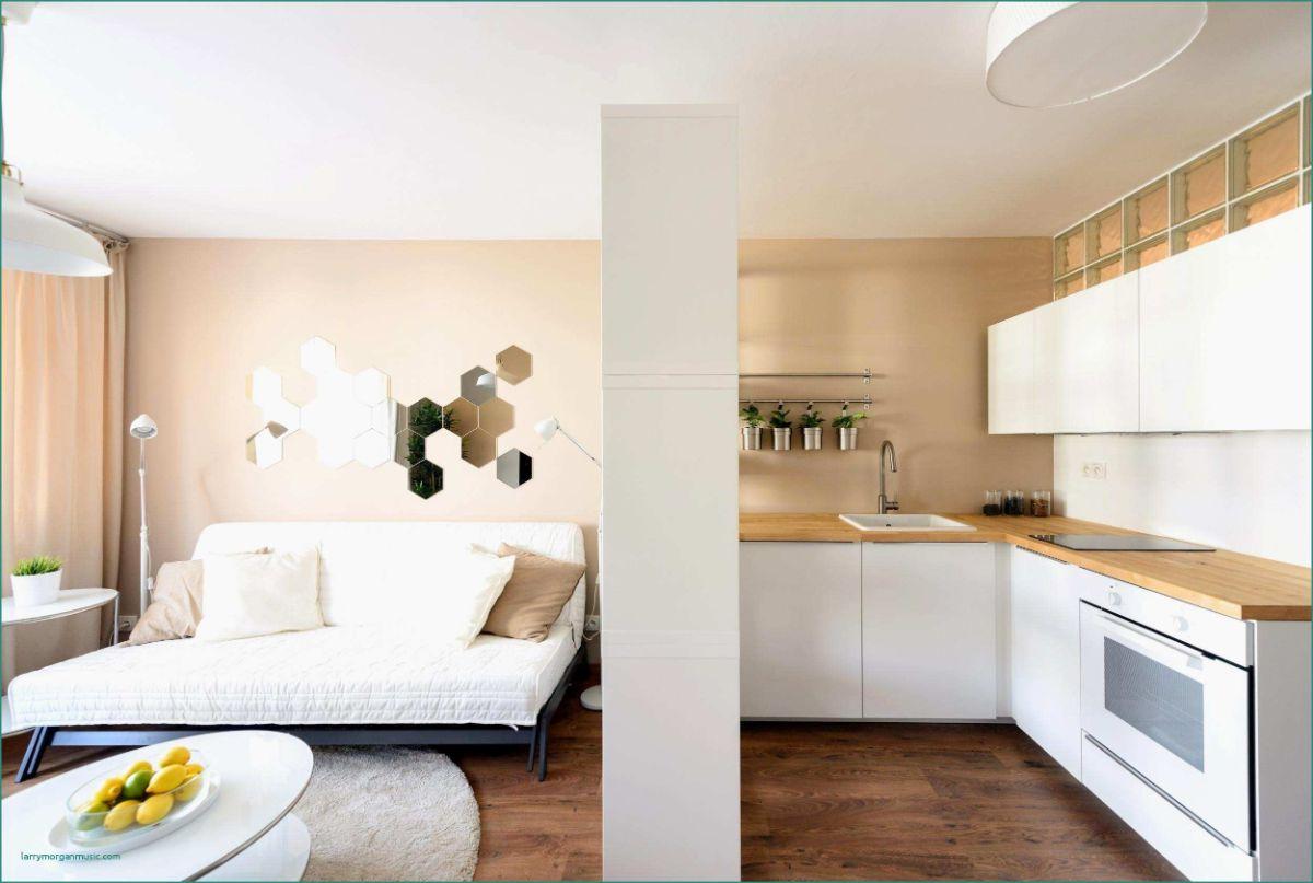 интерьер маленькой квартиры студии светло жёлтый дизайн