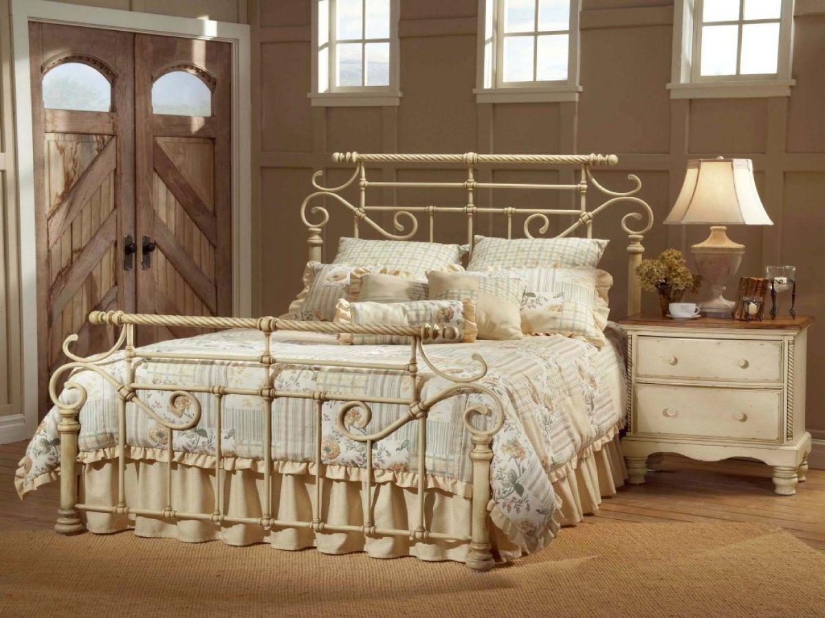 винтаж в интерьере дома бежевая спальня