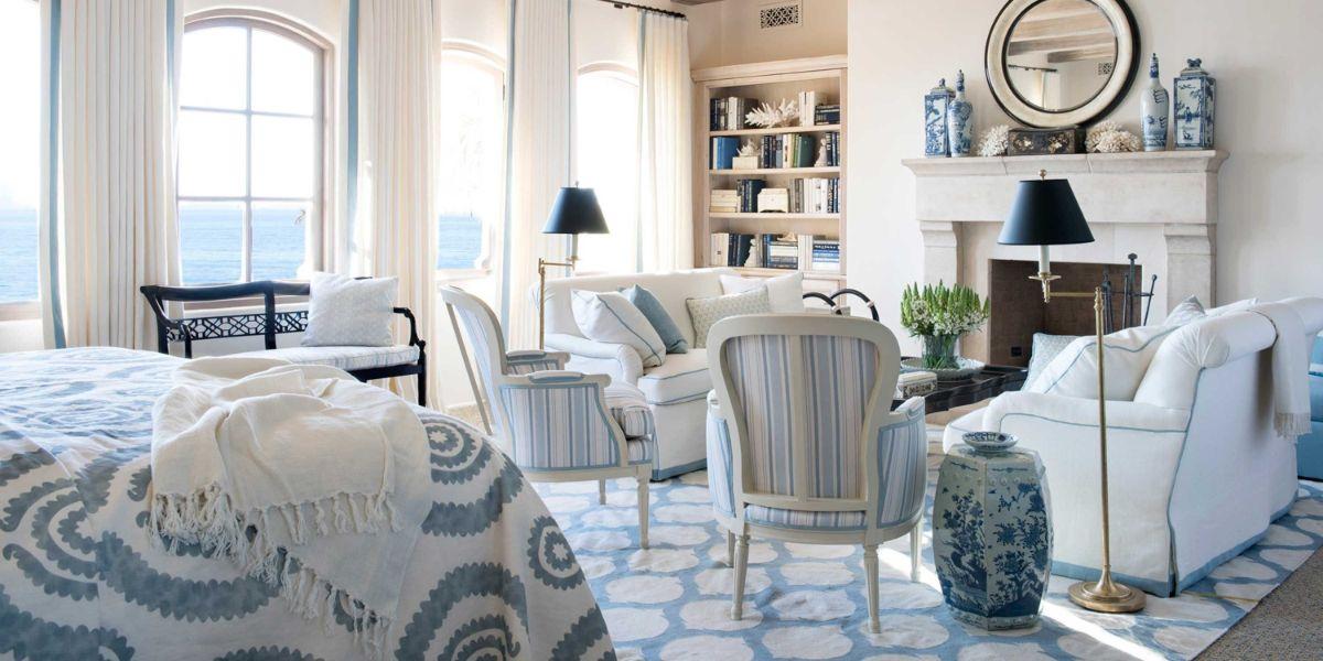 винтаж в интерьере дома гостиная в бело голубых тонах