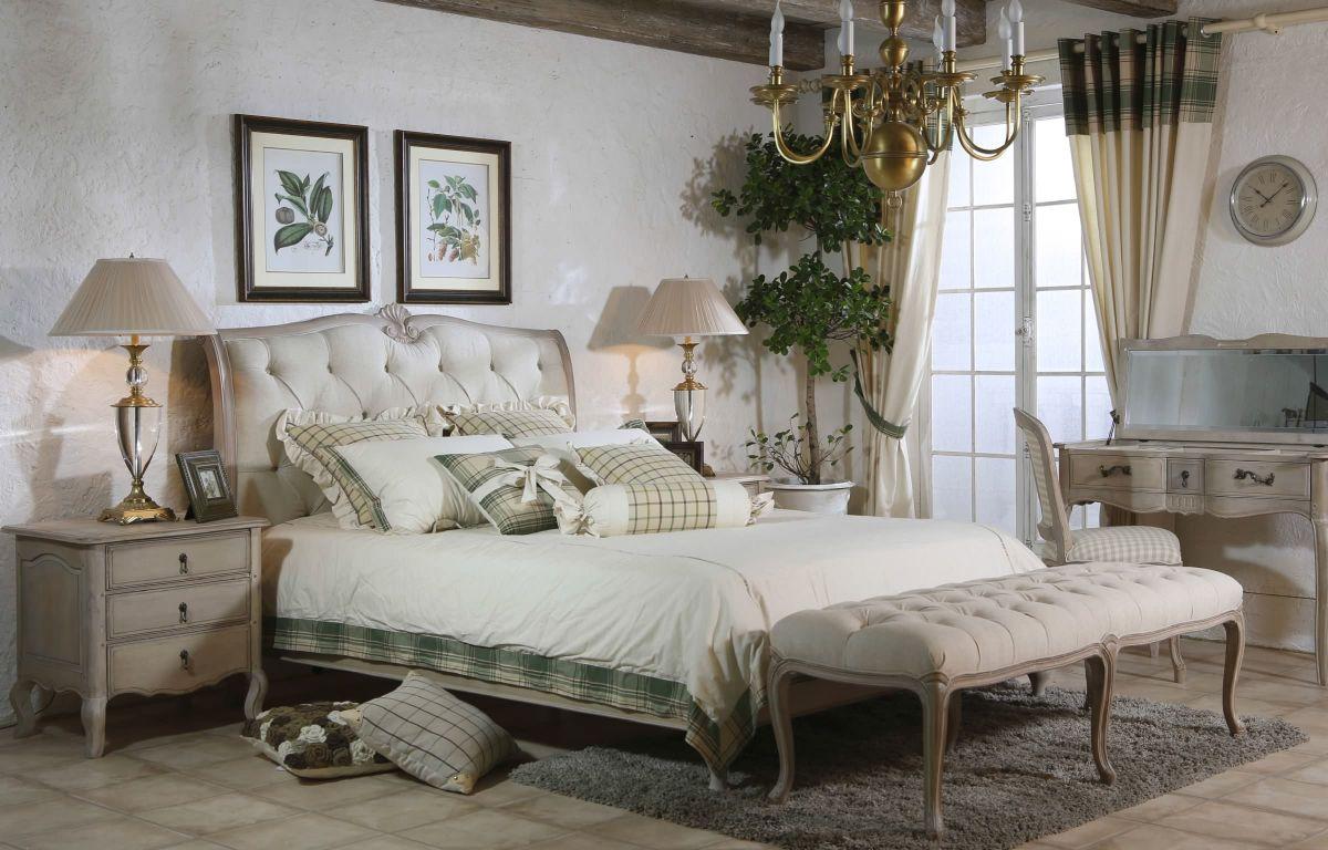 винтаж в интерьере дома спальня в серо-белом цвете