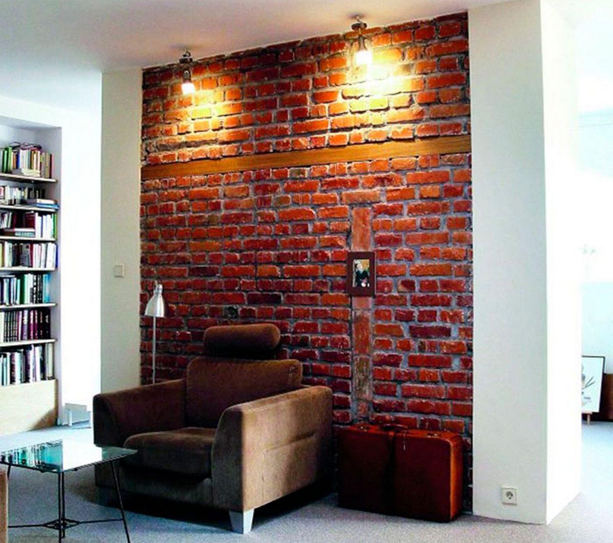 дизайн гостиной с кирпичной стеной удачный пример