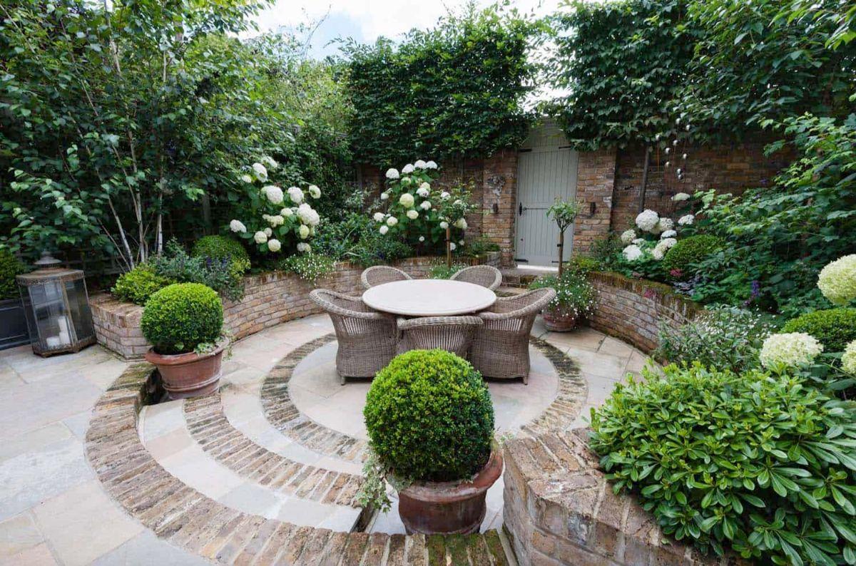 дизайн садового участка плетённая мебель
