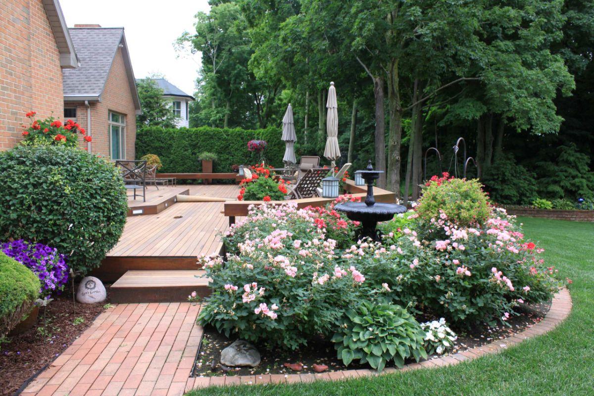 дизайн садового участка с фонтаном фото