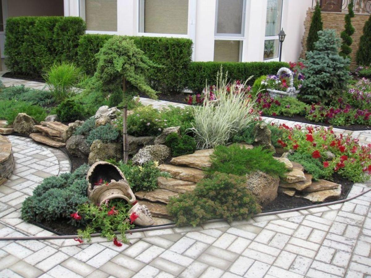дизайн садового участка у дома альпийская горка