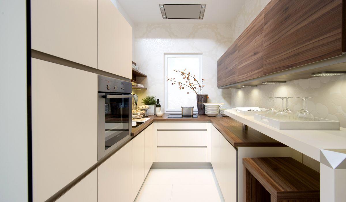 дизайн узкой кухни длинной кухни бежевый интерьер