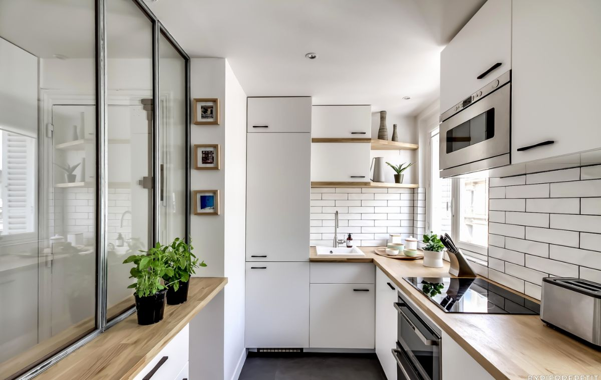 дизайн узкой кухни на балконе