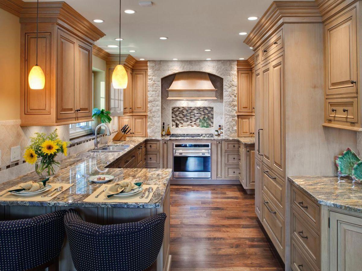 дизайн узкой кухни роскошный классический интерьер