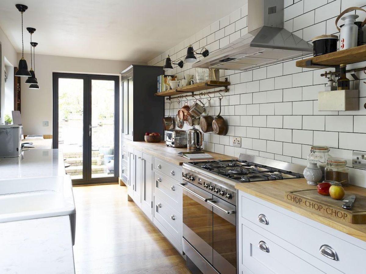 интересный дизайн узкой кухни