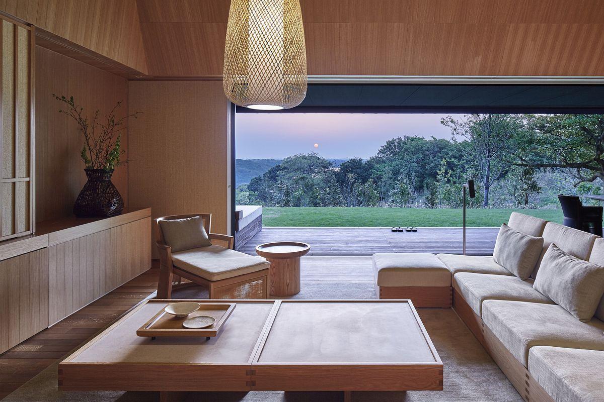 интерьер гостиной в японском стиле в бежевых тонах