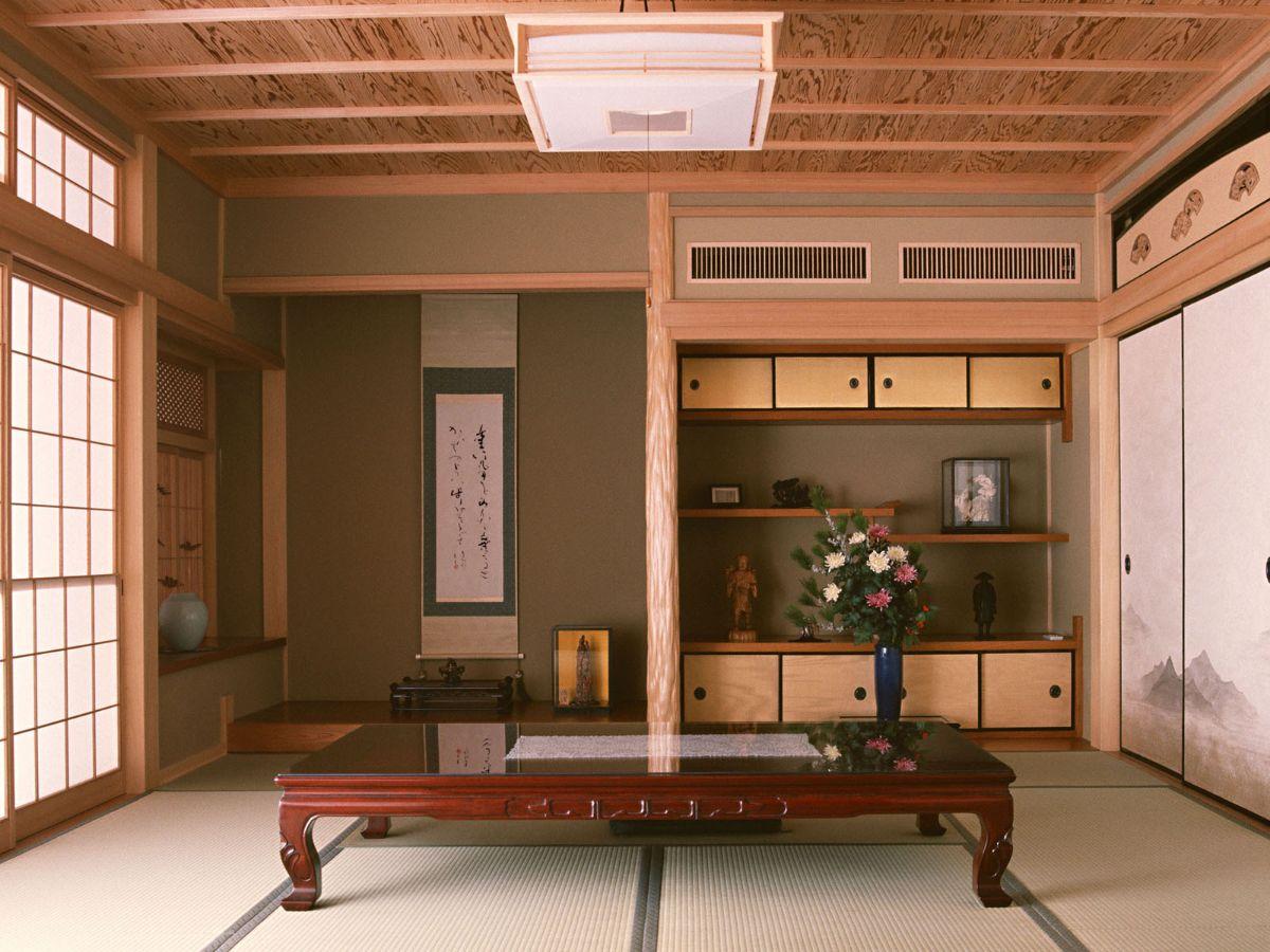 интерьер маленькой гостиной в японском стиле