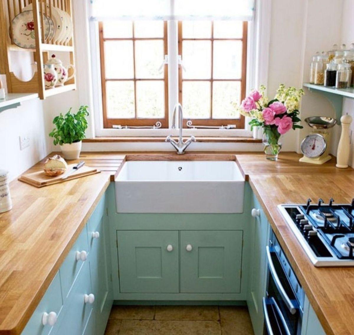 уютный дизайн узкой маленькой кухни