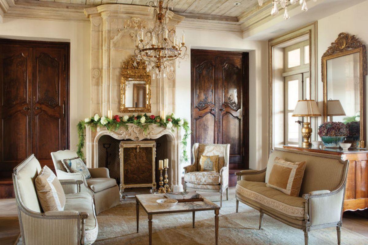 гостиная в стиле барокко пример на фото