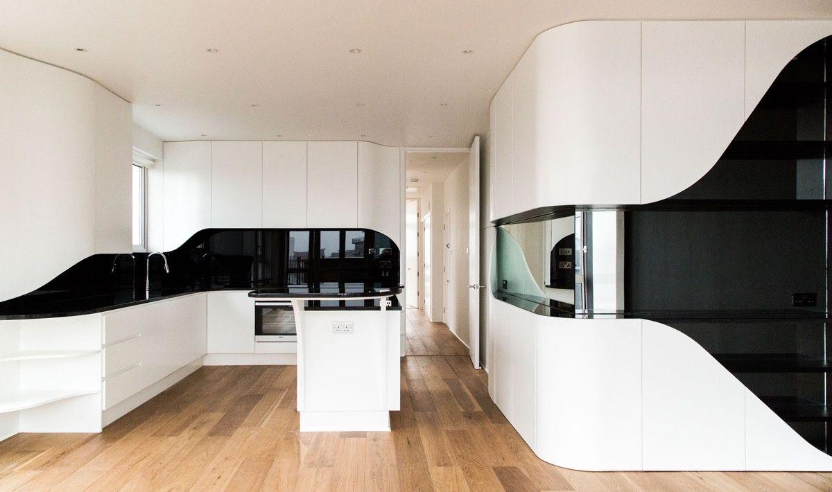 футуристический дизайн кухни в чёрно-белом цвете