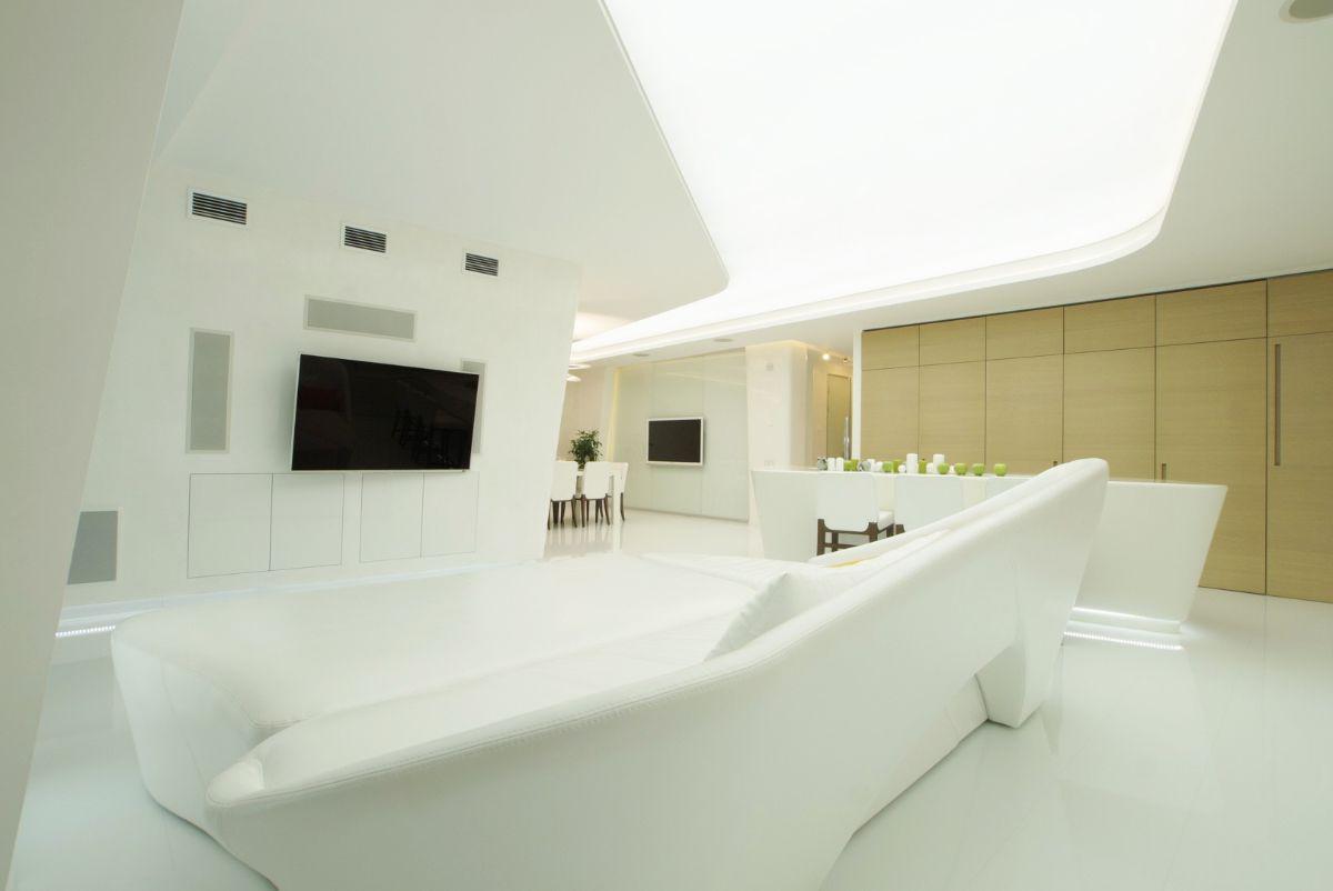 футуристический дизайн просторной квартиры