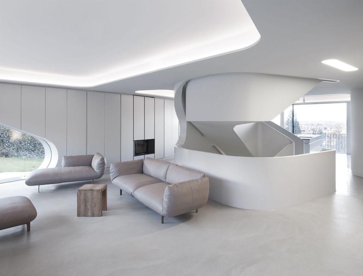 футуристический дизайн со светопропускными натяжными потолками