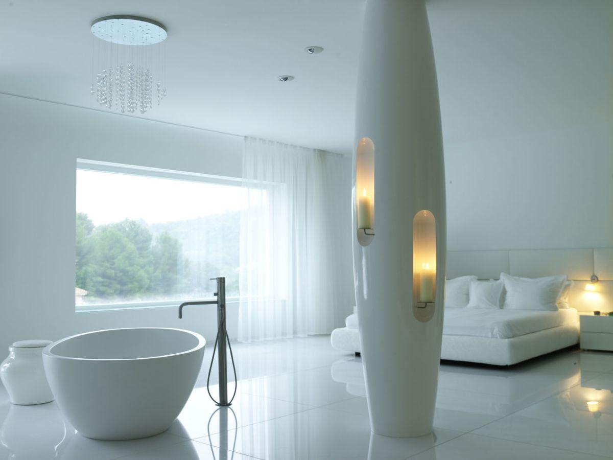футуристический дизайн спальни с ванной