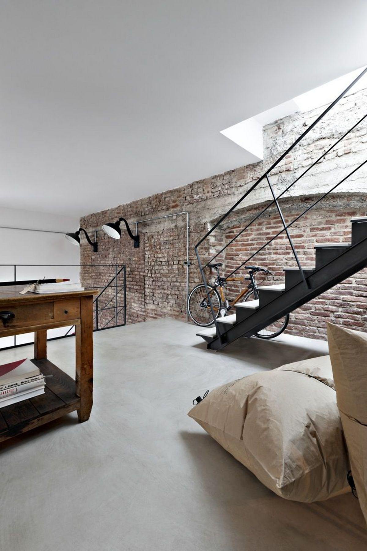 индустриальный стиль в дизайне интерьера многоуровневой квартиры
